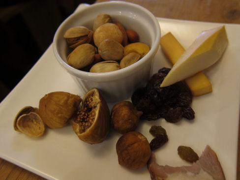 ドライフルーツとチーズ